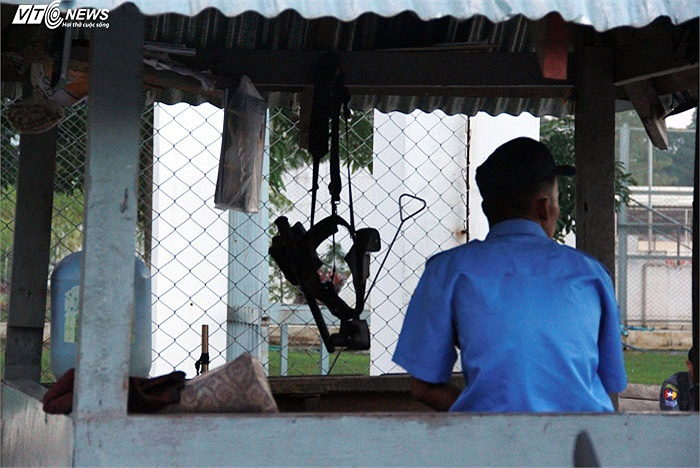 Một chốt an ninh ở sân tập của U23 Việt Nam chiều qua