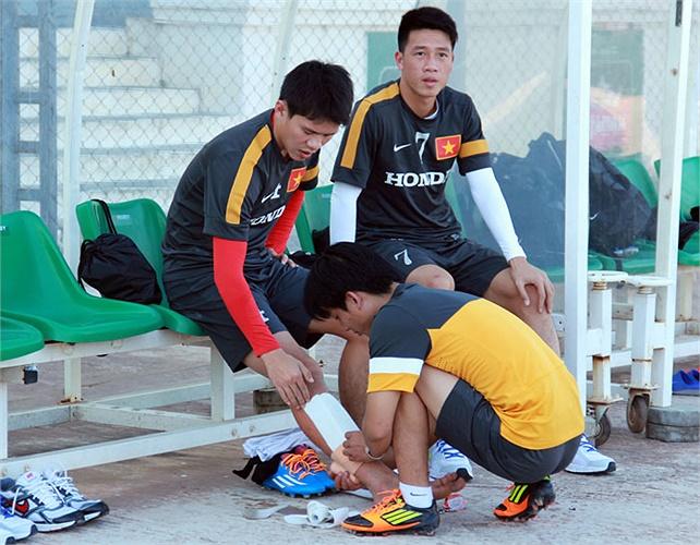 Thanh Hào, Huy Hùng chấn thương và sẽ phải nghỉ trận đấu đầu tiên của U23 Việt Nam