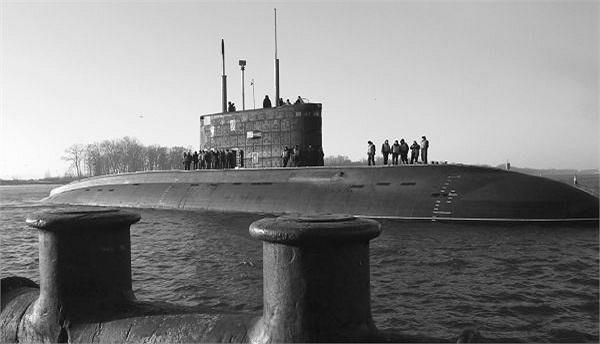Tàu ngầm Hà Nội kết thúc giai đoạn thử nghiệm trên biển với kết quả xuất sắc. (Ảnh tư liệu)