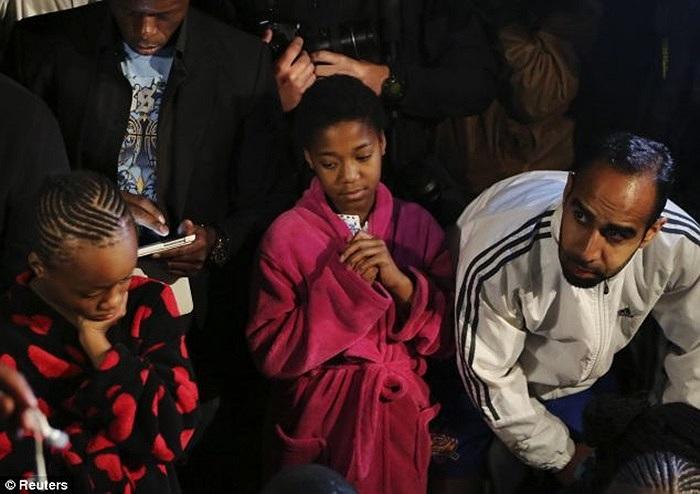 Không khí tang thương bao trùm đất nước Nam Phi sau khi huyền thoại Nelson Mandela ra đi mãi mãi