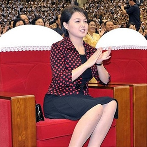 Bà Ri Son-ju xuất hiện cùng chồng trong nhiều sự kiện quan trọng