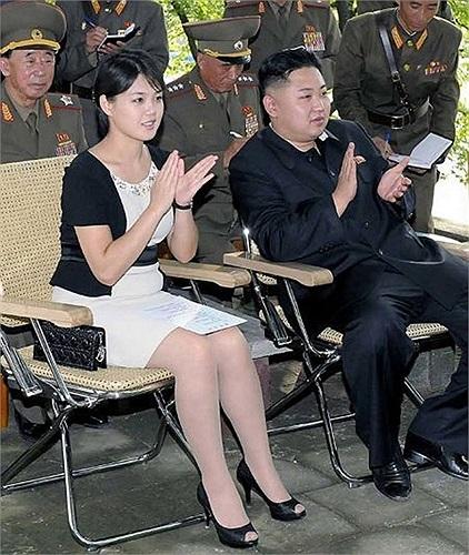 Triều Tiên đăng loạt ảnh phu nhân Ri Son-ju sau vụ thanh trừng chú dượng Chang Song-thaek - nhân vật quyền lực số 2 nước này