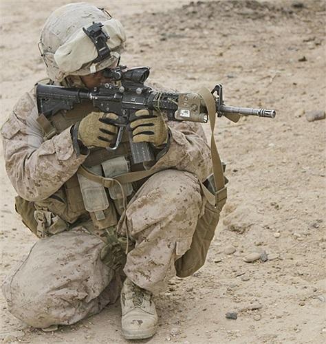 Lực lượng lính thủy đánh bộ Mỹ làm nhiệm vụ ở tỉnh Helmand, Afghanistan