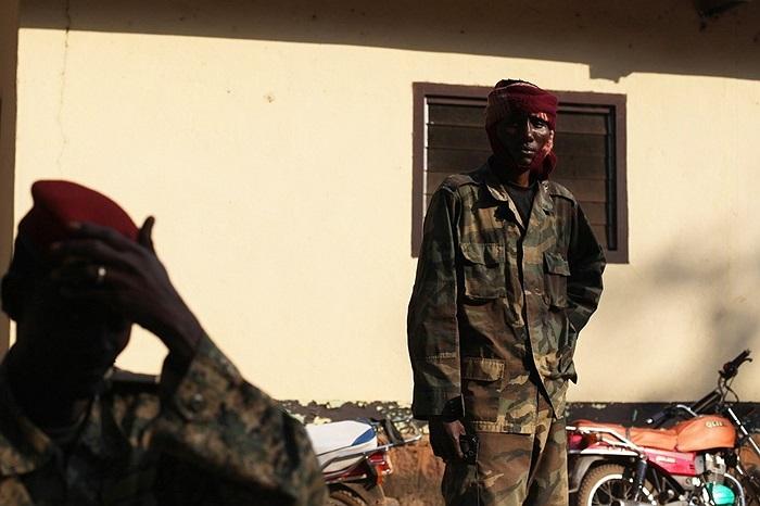 Các binh sĩ ở Bossangoa, Cộng hòa Trung Phi