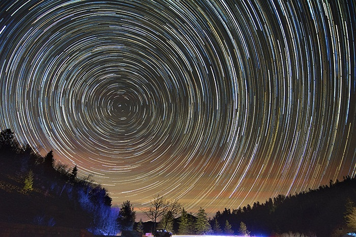 Những ngôi sao di chuyển trên bầu trời North Carolina