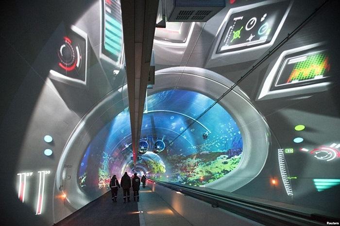 Ðường hầm dành cho người đi bộ, xe đạp và xe buýt trong buổi lễ khánh thành tại thành phố Lyon, Pháp