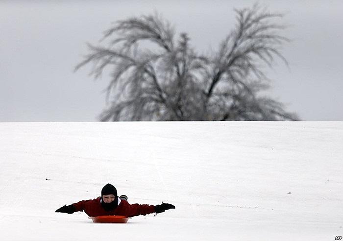 Caelan Brooks, 12 tuổi, ở Plano, bang Texas (Mỹ) chơi trượt băng