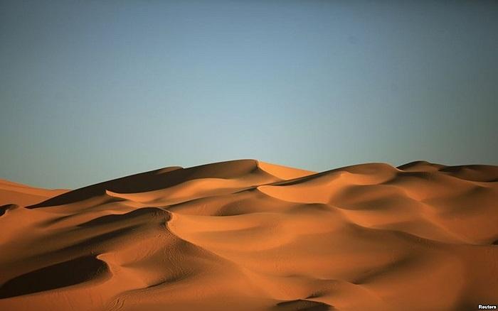 Các cồn cát tại sa mạc Libya ở phía nam Tripoli, Libya