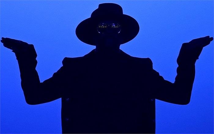 Ca sĩ nhạc R&B William trong chương trình ở Paris, Pháp
