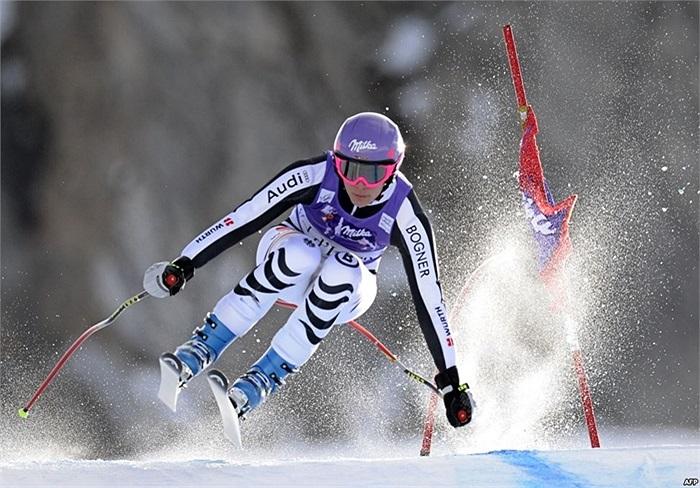 Vận động viên Maria Hoefl-Riesch của Đức tập luyện trong buổi tập đầu tiên cho Giải trượt tuyết thế giới FIS Alpine World Cup của nữ ở Val d'Isere, thuộc dãy Alps ở Pháp