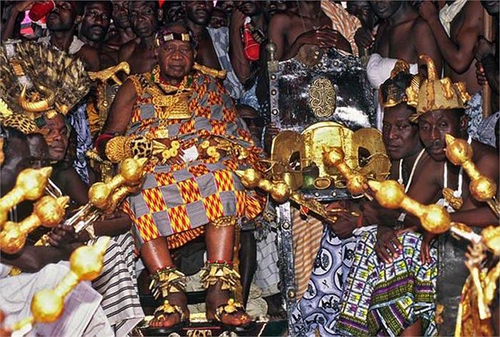 Chiếc ghế như một biểu tượng của người Ashanti. Đối với họ chiếc ghế đó là một phần của lịch sử. Nếu thiếu nó coi như lịch sử không trọn vẹn.