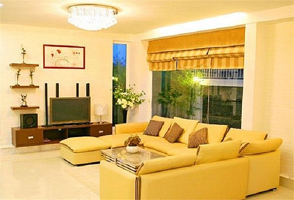 Nhưng Quyền Linh hiện đang sở hữu ngôi biệt thự bề thế và hoành tráng nhất làng MC Việt.