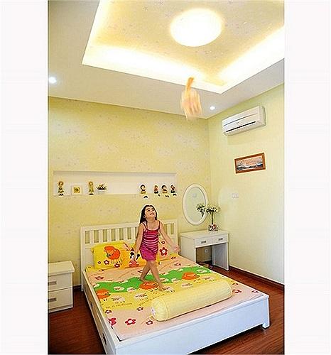 Phòng ngủ của bé Hạt Dẻ.