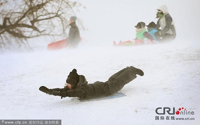 Nhiều trường học phải cho học sinh nghỉ học vì thời tiết xấu