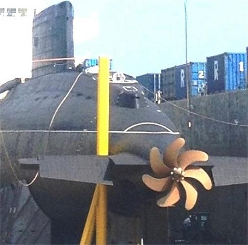 Chân vịt của tàu ngầm Kilo Hà Nội.