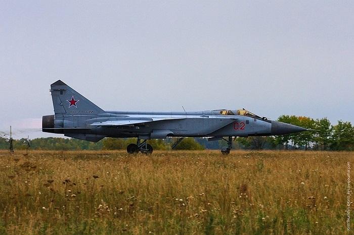 MiG-31BM được nâng cấp về hệ thống điện tử và dữ liệu kỹ thuật số, trang bị radar đa năng, buồng lái mới, cùng hệ thống kiểm soát vũ khí mạnh hơn