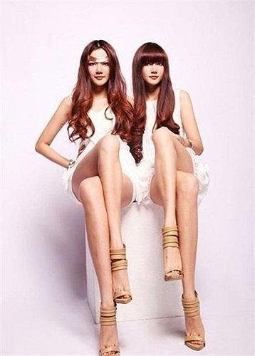Vào tháng 3/2009, cặp đôi này đã đoạt giải quán quân trong cuộc thi 'Chân ai dài đẹp'.