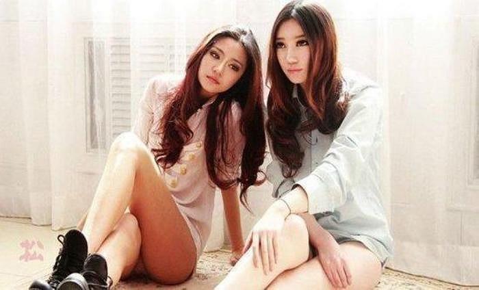 Cô chị nổi lên sau Thế vận Hội Olympic Bắc Kinh 2008 và nhanh chóng trở thành hotgirl được tìm kiếm nhiều nhất ngay thời gian sau đó tại Trung Quốc.