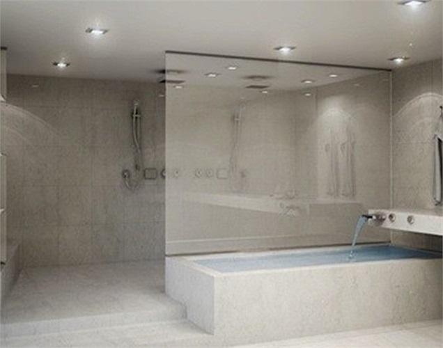 Phòng tắm bằng đá cẩm thạch sang trọng.