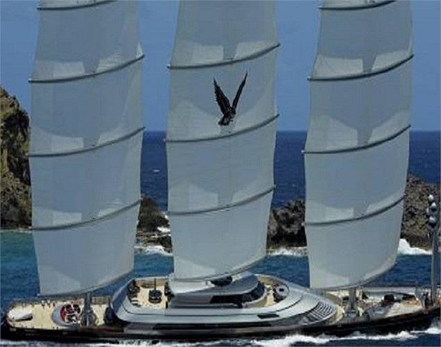 Mơ ước được trở thành Roman Abramovich thứ 2, Tom Perkins đã phung phí 150 triệu USD để sở hữu chiếc du thuyền cá nhân lớn nhất thế giới tên là The Falcon Malta và 1 khóa học lái thuyền để đi du lịch khắp thế giới làm từ thiện.