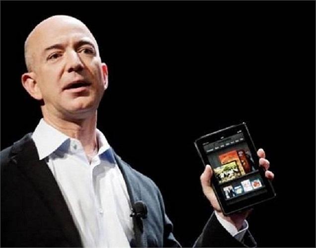 Nhà sáng lập phần mềm Amazon, Jeff Bezos loay hoay nhiều năm để đi tìm cảm giác thư giãn ngoài công việc và cuối cùng ông đã dành phần lớn thời gian nghỉ ngơi để tạo ra 1 chiếc đồng hồ 'bất tử' chạy liên tục trong 10 nghìn năm. Tổng chi phí cho công trình lên tới 42 triệu USD