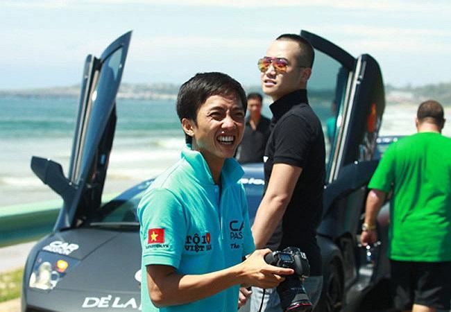 Quốc Cường Gia Lai (thường gọi là Cường Đô la), chồng của nữ ca sỹ Hồ Ngọc Hà, nổi tiếng là tay chơi siêu xe với bộ sưu tập xế 'khủng' đồ sộ.