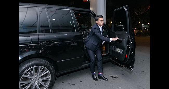 Em trai Louis Nguyễn và chiếc Range Rover hạng sang.