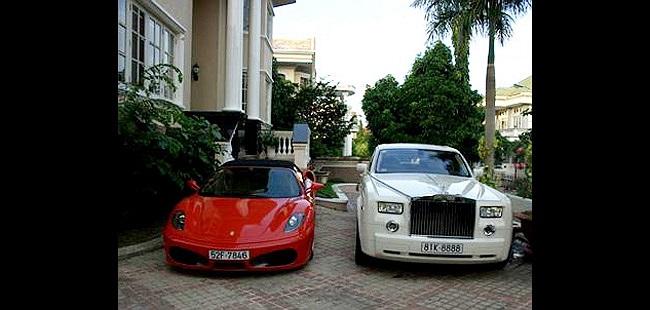 Những phụ kiện trong xe cũng được Cường đô la đầu tư hàng trăm nghìn đô.