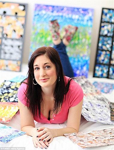 Người có ảnh hưởng lớn nhất đến phong cách nghệ thuật của cô chính là hai họa sĩ lừng danh Jackson Pollock và Vincent Van Gogh.