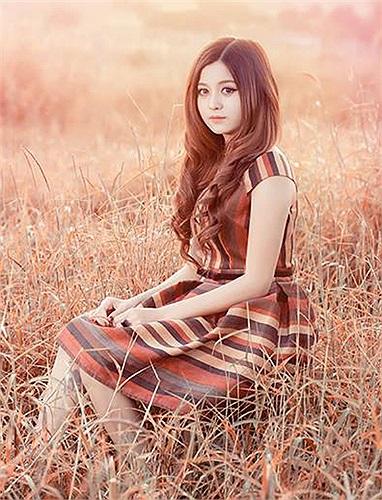 Cô gái này thường xuyên chụp hình cho các cửa hàng thời trang và áo cưới tại Gia Lai