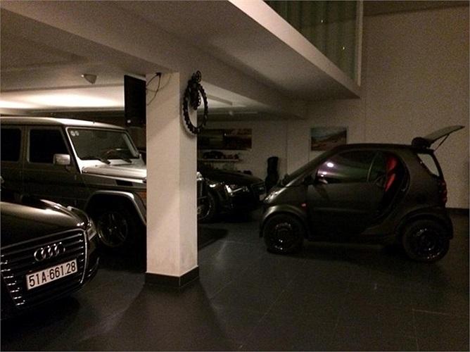 Chiếc xe tí hon Smart For Two cũng góp mặt trong bộ sưu tập xế hộp của Phó Tổng giám đốc Quốc Cường Gia Lai.