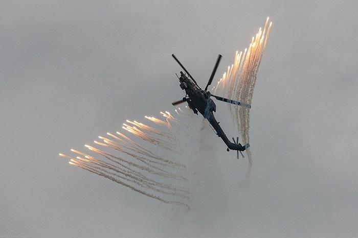 Đại bàng vàng là đội bay trực thăng chiến đấu nổi tiếng của Nga với khả năng nhào lộn, trình diễn khả năng di chuyển rất phức tạp