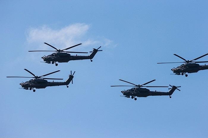 Mi-28N được phát triển từ nửa cuối những năm 1990 với chuyến bay đầu tiên của nguyên mẫu (Mi-28A) vào tháng 11/1996