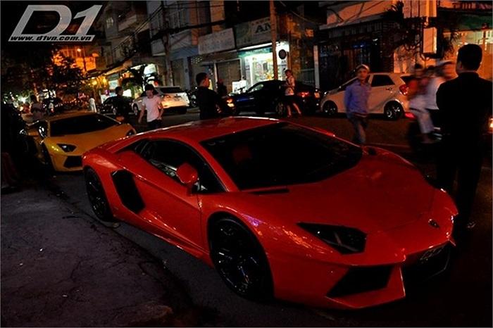 Siêu xe Aventador màu cam của Phạm Trần Nhật Minh về Việt Nam từ năm 2012 đã gây sự chú ý và tò mò lớn cho những người yêu xe tại Việt Nam. Chi phí để đưa siêu xe Aventador này về nước được cho là lên đến 25 tỷ đồng.