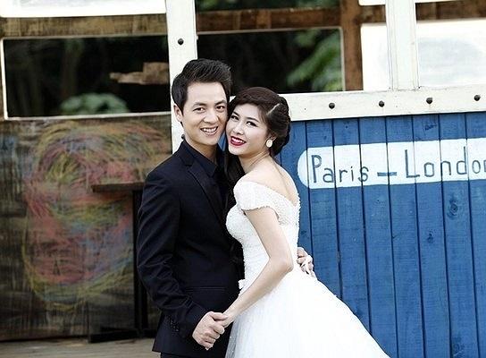 Trong những ngày cuối năm 2013, người hâm mộ lại một phen xôn xao bàn về đám cưới của Đăng Khôi và hot girl Thủy Anh của Hà Nội.