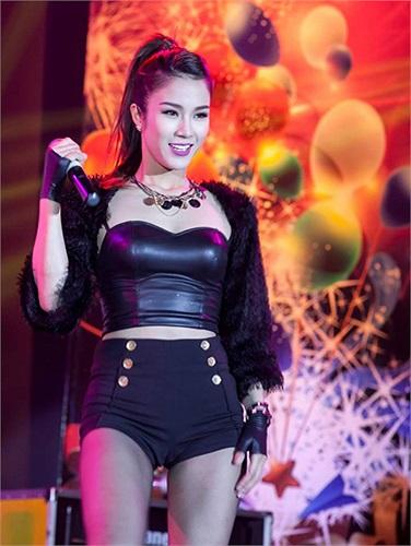Mới đây, Diệp Lâm Anh nhận lời tham gia chương trình ca nhạc mừng năm mới tại đất nước Thái Lan cùng với nhiều nghệ sỹ của các nước khác như Myanmar, Lào, Cambodia…