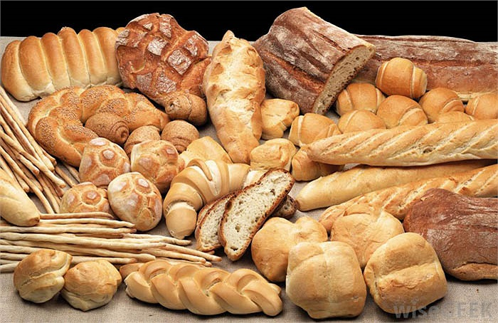 Bánh mỳ sẽ được ném vào tường, đập nát để xua đuổi tà ma ở Ireland
