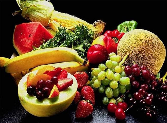 Trái cây giúp làn da mịn màng và căng mọng: Vitamin C trong trái cây gúp chăm sóc da, hỗ trợ việc sản xuất collagen, một loại protein hình thành cấu trúc cơ bản của da.
