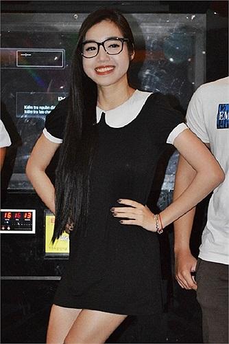 Elly Trần trẻ trung xinh xắn tại các sự kiện giải trí trong năm 2013.