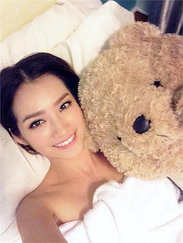 Trúc Diễm đưa cả gấu bông cùng đi spa.