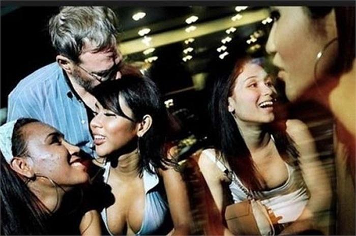 Nghành công nghiệp mại dâm ở Thái Lan bắt đầu nở rộ từ năm 1960