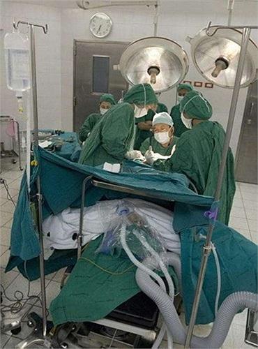 Quá trình phẫu thuật thẩm mỹ từ nam sang nữ