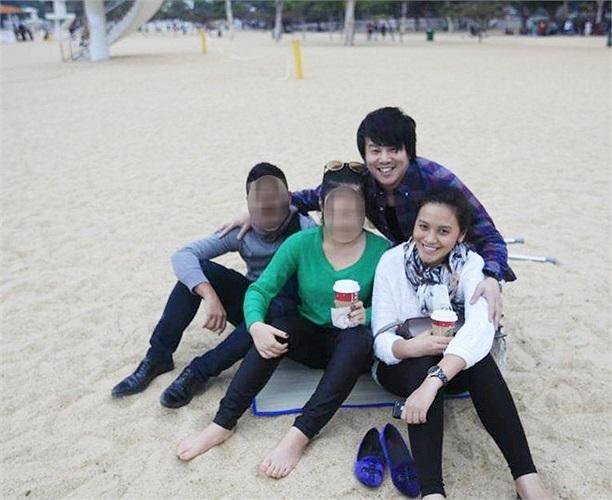 Mẹ cô là nữ doanh nhân Trương Mỹ Lan, Chủ tịch Hội đồng thành viên Công ty TNHH Vạn Thịnh Phát.
