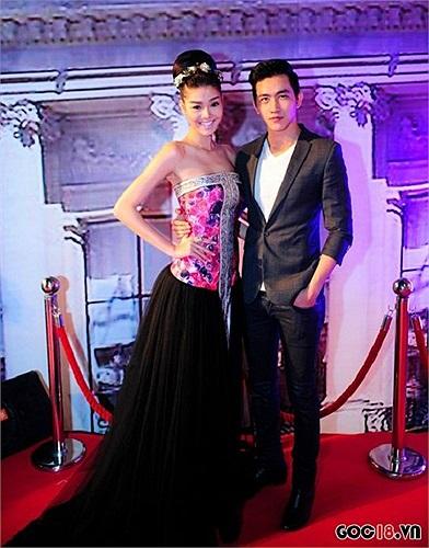 Bạn gái cũ của Huỳnh Anh - Kỳ Hân mất điểm vì chiếc chân váy.