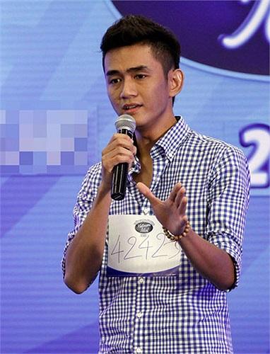 Những khoảnh khắc của Tùng ở cuộc thi Việt Nam Idol 2012