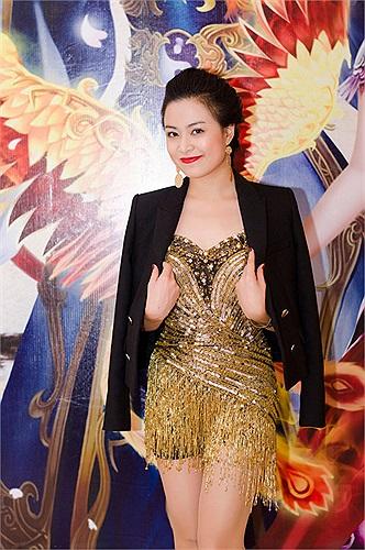 Hoàng Thùy Linh luôn gây sự chú ý mỗi khi xuất hiện tại các event.