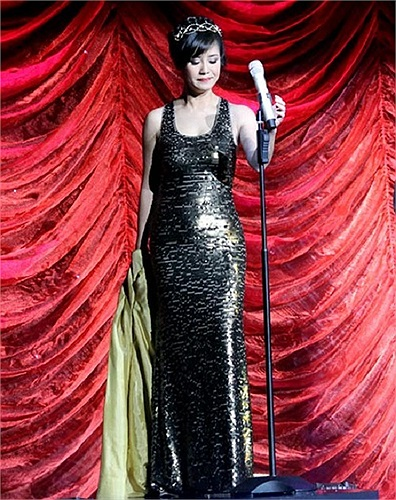 Gần đây, không chỉ vẻ đẹp tươi tắn mà phong cách thời trang của Hồng Nhung đang trở thành đề tài khai thác của báo chí cũng như thu hút nhiều sự quan tâm của khán giả yêu mến.