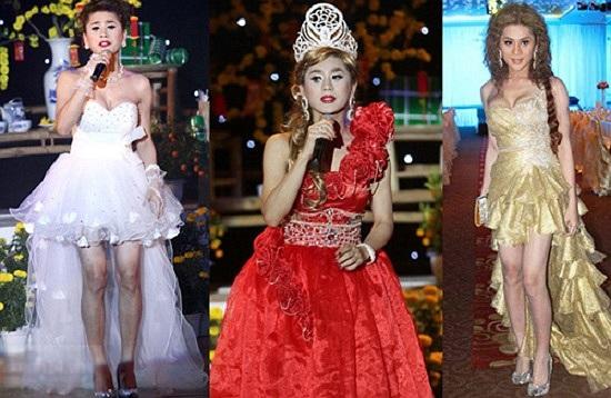 Giọng ca gây ồn ào không chỉ vì chuyện chuyển giới mà còn bởi trang phục sến Lâm Chi Khanh. Thời trang biểu diễn yêu thích của cô là những bộ váy diêm dúa nhiều bèo nhún lỗi.