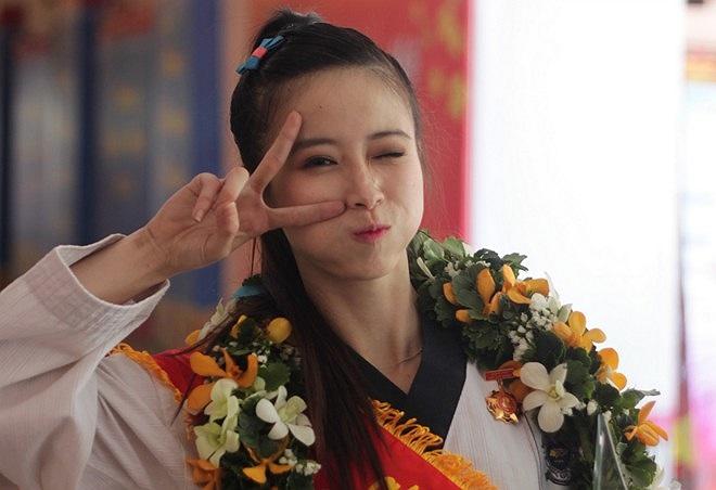 Với những thành tích nổi bật trong năm ở môn taekwondo, Châu Tuyết Vân được chọn là Công dân trẻ tiêu biểu TP.HCM 2013.