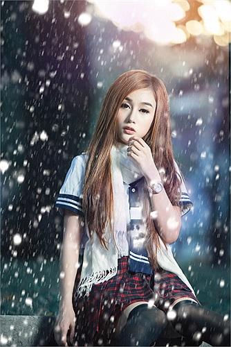 Đây là bộ ảnh chào đón Giáng sinh của Quỳnh Nhi.